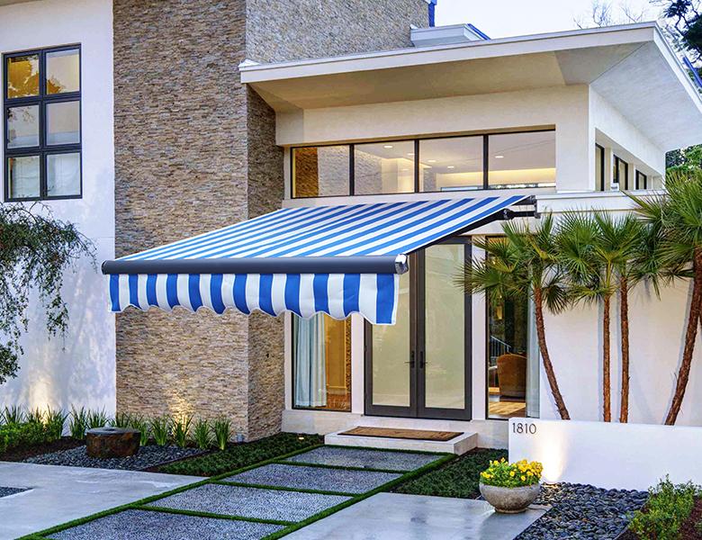 安装技术的提高可以保障坡道雨棚的效果